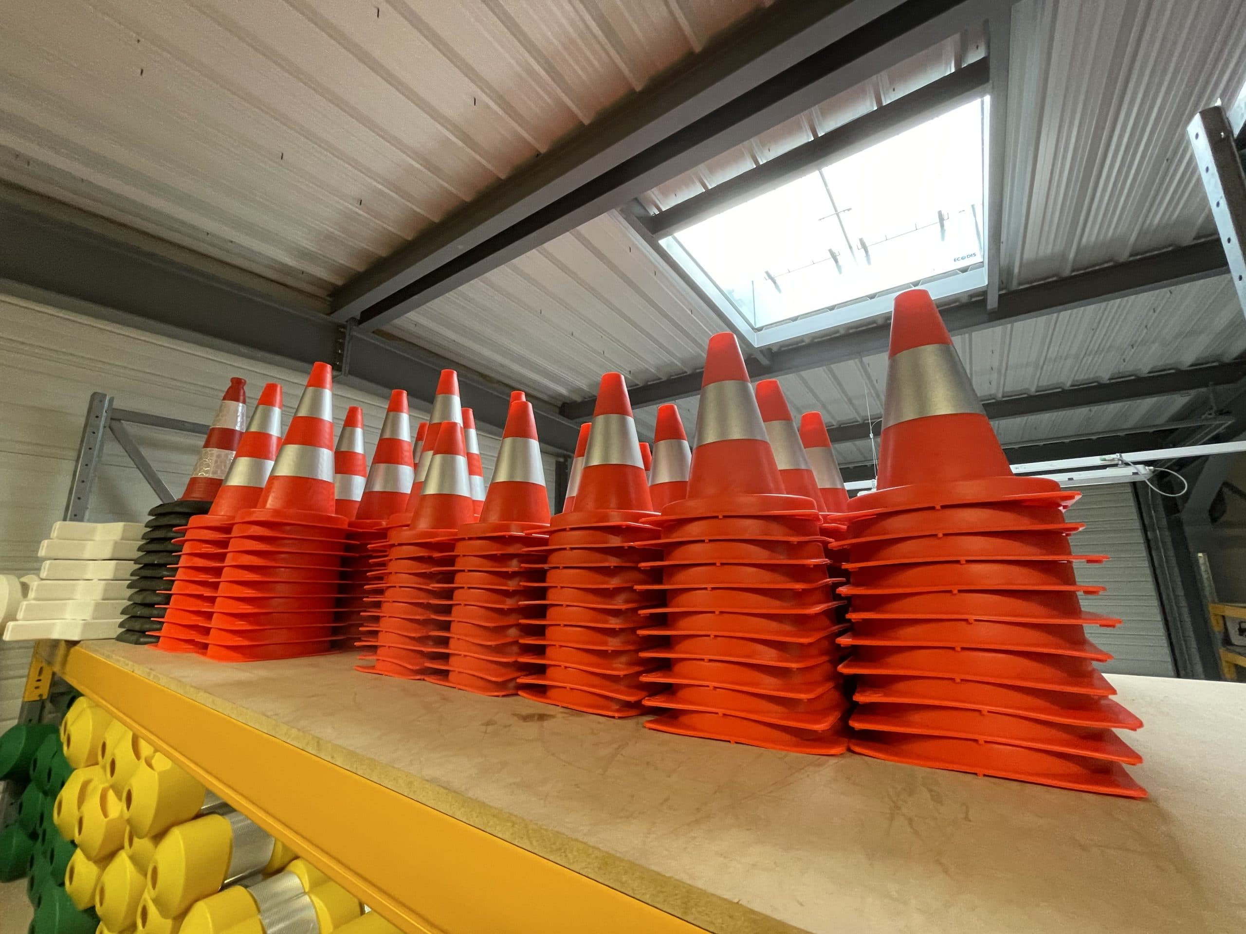Cône de chantier orange